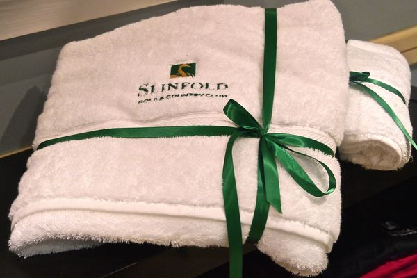 Retail luxury bath towel